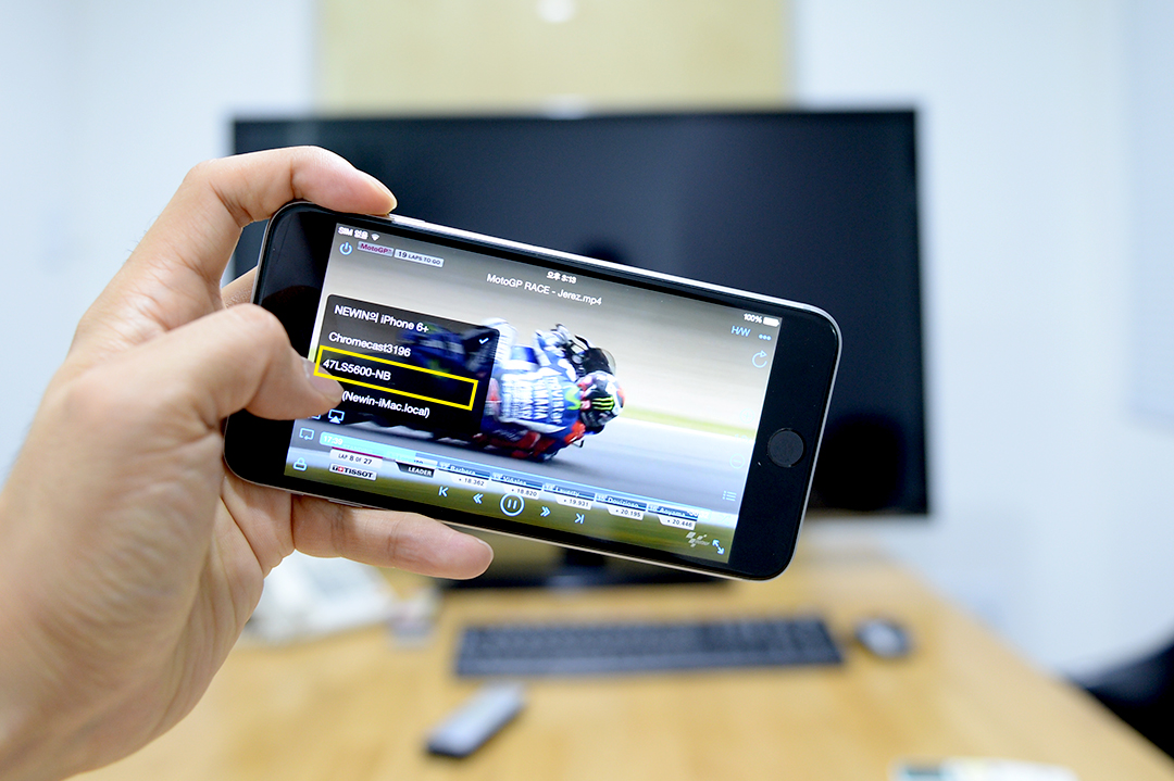 how to hook up ipad to smart tv Mirror for samsung tv is a $999 mac app that allows you to stream whatever's playing on your mac screen to any samsung smart tv from 2012 onward that is to say, any model whose middle letter is e or later (eg.